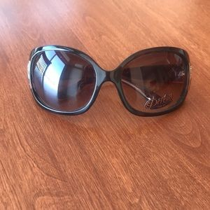 Vintage Dereon tortoise sunglasses